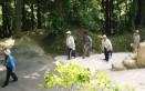 鵜宮神社参道にて(1)